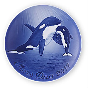 2017 Bing & Grondahl Mother's Day Plate - Orca with Calf